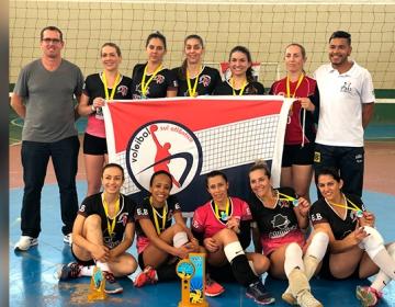 Copa de Voleibol Masculino e Feminino reúne admiradores do esporte 40f226b59e1f0