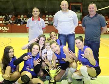 Universitário e Joaia são campeões no voleibol de Tijucas 490ca26770c1f